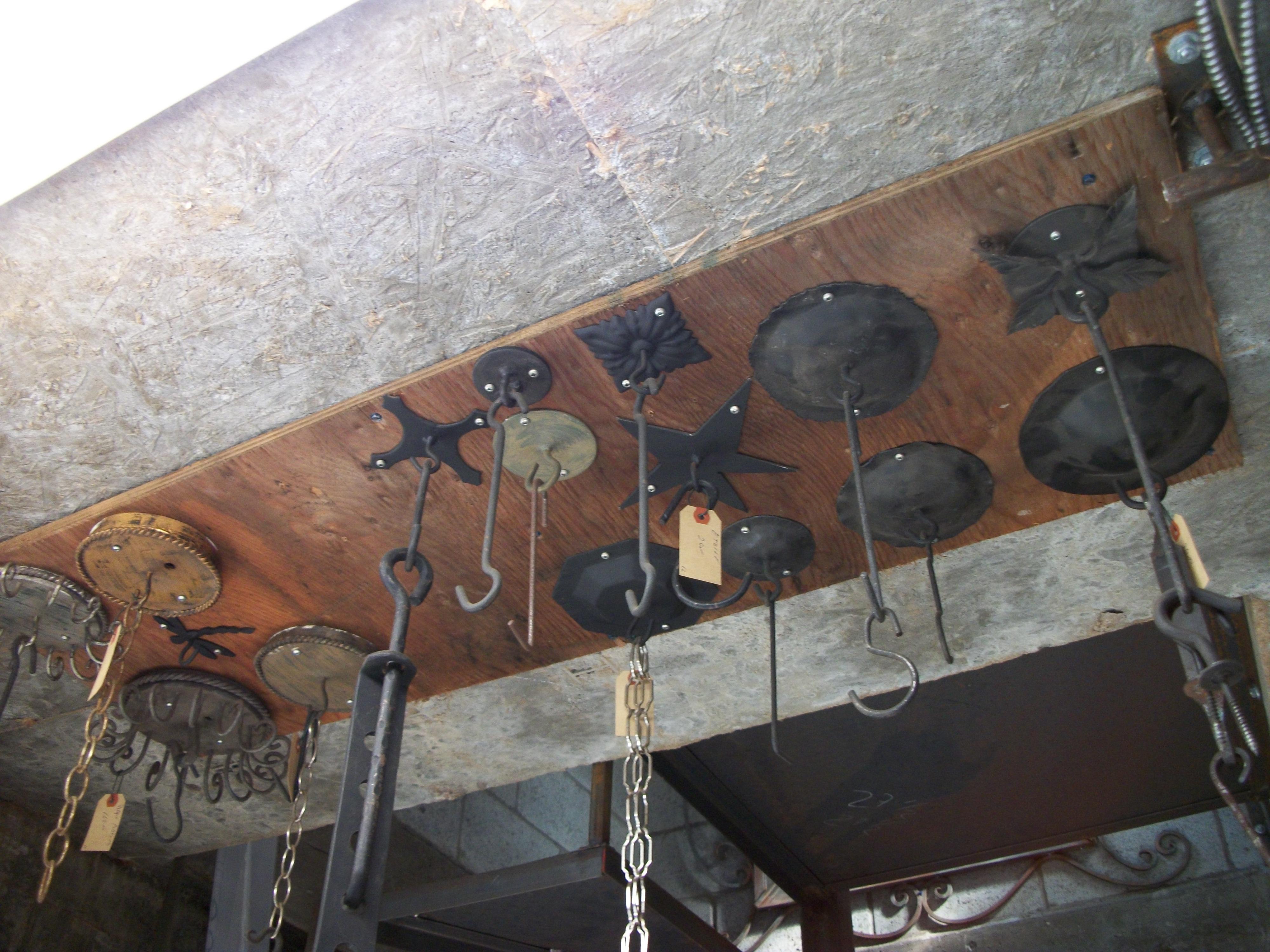 plaques au plafond